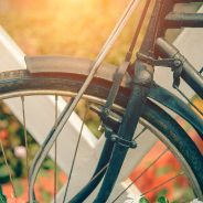 What are the main advantages of a foldable bicycle?